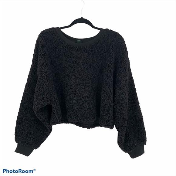 Wild Fable Black Cropped Sherpa Sweatshirt
